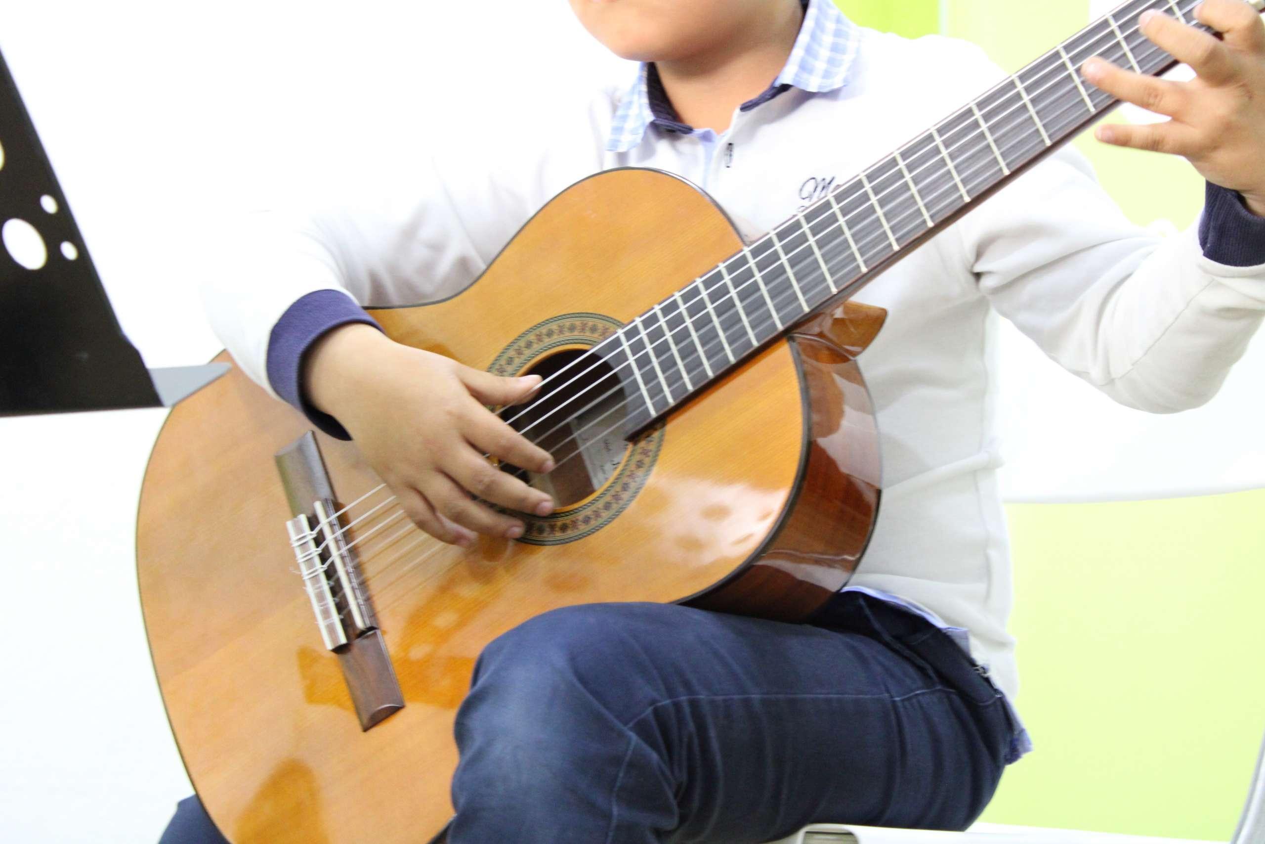 clases de guitarra murcia legato espacio musical escuela de música
